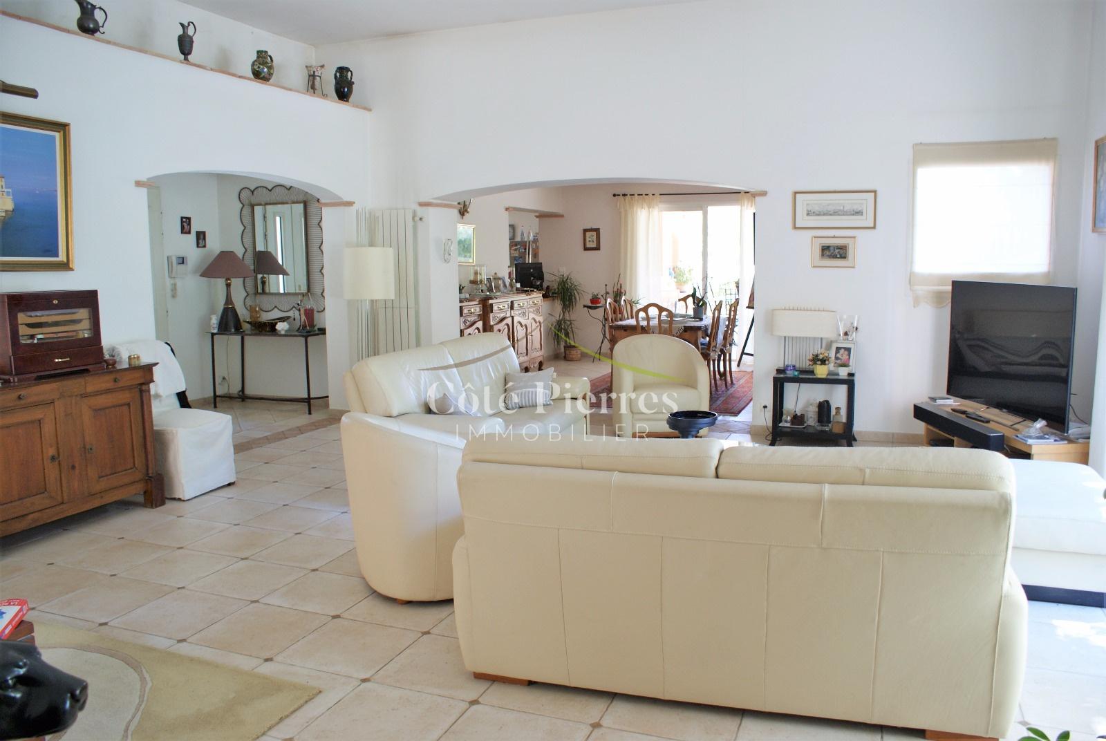 annonce maison villa 6 pieces castelnau le lez vente. Black Bedroom Furniture Sets. Home Design Ideas