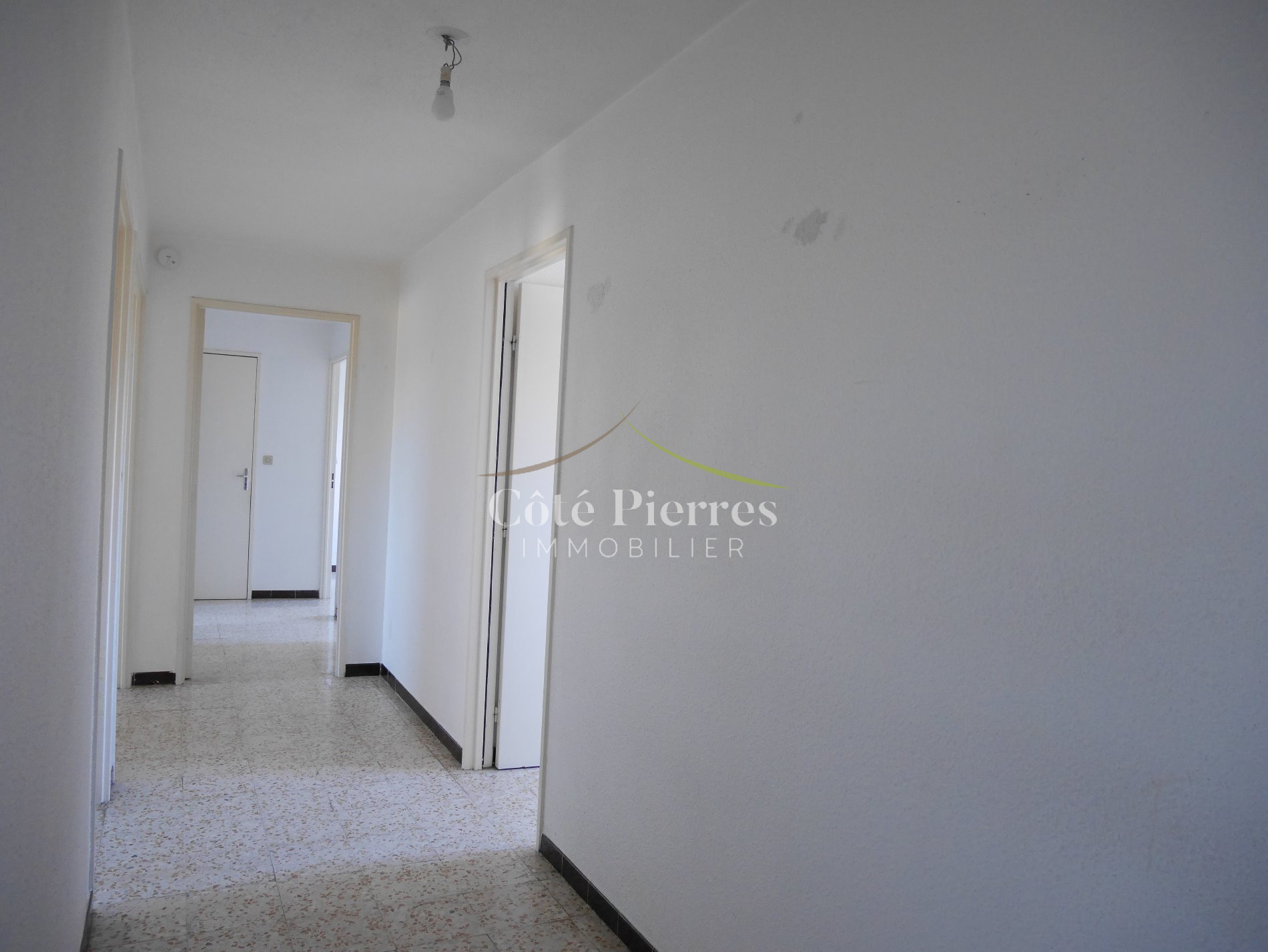 Annonce appartements 4 pieces n mes vente for Garage ad nimes
